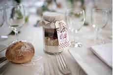idee cadeau original pour mariage 16 id 233 es de cadeaux originaux pour vos invit 233 s de mariage