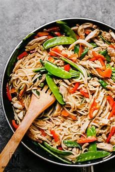 30 minute chicken stir fry easy dinner recipe munchkin time