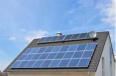 solaranlagen auf dem dach gefahren und solarenergie umweltbundesamt
