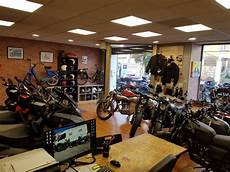 magasin moto toulon r 233 paration et restauration de moto et 2 roues sur toulon l atelier du 2 roues