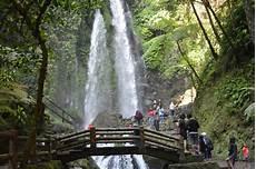 Menikmati Kesegaran Air Terjun Jumog Kabupaten