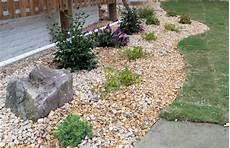 Ideen Gestaltung Steingarten - landscaping ideas with mulch and new