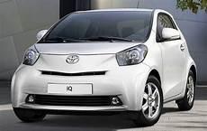 La Plus Des 4 Places La Toyota Iq Sous La Barre