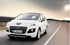 voiture hybride peugeot peugeot lance la premi 232 re voiture hybride en mode diesel