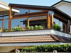 veranda in legno per terrazzo balcone con veranda