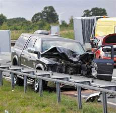 Schwerer Unfall Auf Der A20 Bei Rostock Tote Und