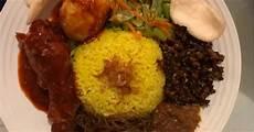 Resep Nasi Kuning Ambon Oleh Nathasya Tjia Cookpad