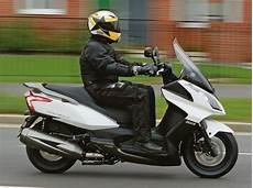 Kymco Downtown 300 2010 On Review Mcn