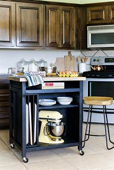 Kitchen Island On Wheels Plans by Diy Rolling Kitchen Island Kitchen Tutorials Rolling