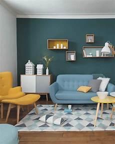 Un Salon Vintage En Jaune Et Bleu Shake My