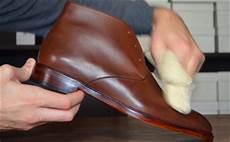 Taches Sur Chaussures En Cuir Clair