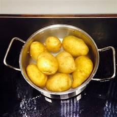 Gebackene Stfkartoffeln Mit Kr 228 Utern Zimtschnecke Und