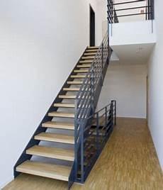 innentreppe stahltreppe mit holzstufen buche treppe stahl