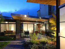 characteristics of simple minimalist house simple modern house architecture with minimalist style