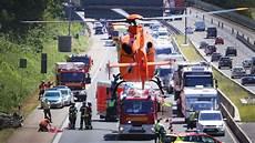 Vollsperrung A3 Heute - frankfurt hessen a3 schwerer unfall auf der a3
