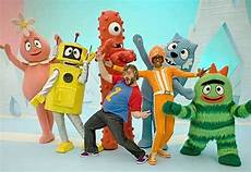 black on yo gabba gabba black guest on yo gabba gabba orange