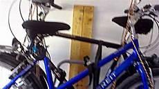 Fahrradständer Für Garage by Fahrr 228 Der Und Fahrradtr 228 Ger An Die Decke H 228 Ngen