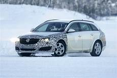 2013 opel insignia sports tourer facelift spied foto
