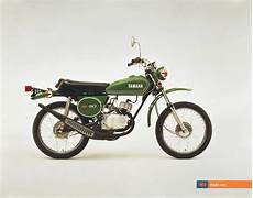 Yamaha Shows Retro Lightweight 125cc Motorcycle That Gets