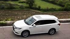 Tats 228 Chlicher Verbrauch Mitsubishi Outlander In