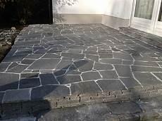 terrassenplatten aus hartgneis bodenplatten