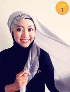 April Sweet Gaya Jilbab Praktis Cantik Hanya 1 Menit
