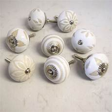 pomelli shabby chic a set of eight beige ceramic cupboard door handles by