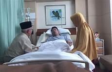 Gambar Orang Terbaring Sakit Di Rumah Sakit