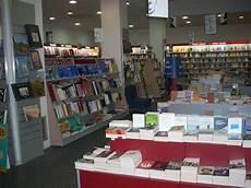 libreria mondadori catania quot fiori di zolfo quot di melania la colla alla libreria