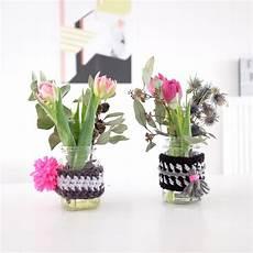 do it yourself blumen vasen dekoration aus wolle