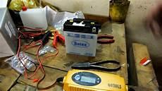 neue motorradbatterie bef 252 llen laden und einbauen