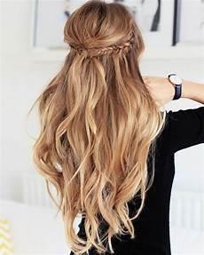 moderne frisur lange haare flechtzopf waves