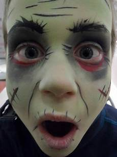 Gruselig Schminken Kinder - facepainting kinderschminken filmblut