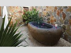 Bathroom Décor: 8 Bathtub Design Ideas of Natural Stone