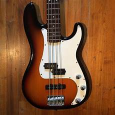 squier standard p bass special image 1576706 audiofanzine