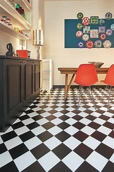 sol pvc damier noir et blanc sol en pvc le confort dans toute la maison