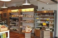 scaffali per alimentari arredamento negozio alimentari arredo gastronomia senza