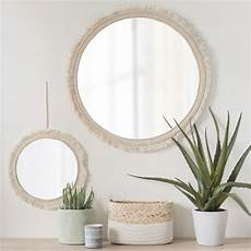 runde spiegel runde spiegel mit beigen baumwollfransen d 42 luana