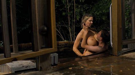 Amy Jo Johnson Topless