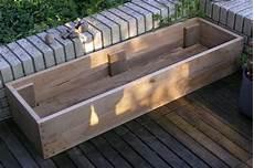 blumenkasten holz balkon buchkleid blumenkasten aus holz selbstgemacht