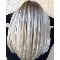 carré blond multi tonal blend behindthechair