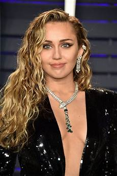 Miley Cyrus Miley Cyrus At 2019 Vanity Fair Oscar Party In Beverly