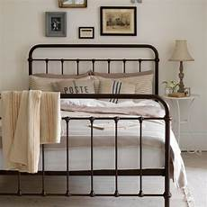 Bedroom Ideas Black Iron Bed by 10 Gorgeous Basic Iron Bed Design Ideas For Vintage Charm