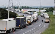 grève des routiers 2017 gr 232 ve des routiers faible mobilisation au troisi 232 me jour charente libre fr