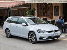 volkswagen golf variant 2017 picture 8 of 43