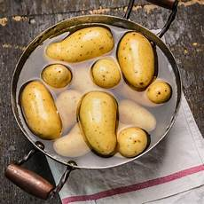 Kartoffeln Kochen So Gelingen Sie Garantiert Brigitte De