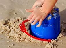 Malvorlagen Rakete Xl Child Building Sandcastle Stock Photo Image Of Coast
