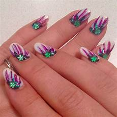 25 flower nail designs to make your nails shine