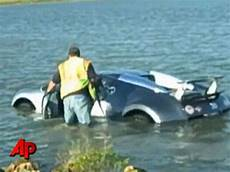 Bugatti Crash Into Water by 1 Million Bugatti Veyron Crashes Into The Water