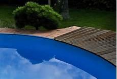 Bachlauf Wasserspiele Und Quellstein Gartengestaltung